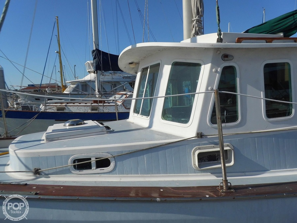 1976 Fales boat for sale, model of the boat is Navigator 38T & Image # 25 of 40