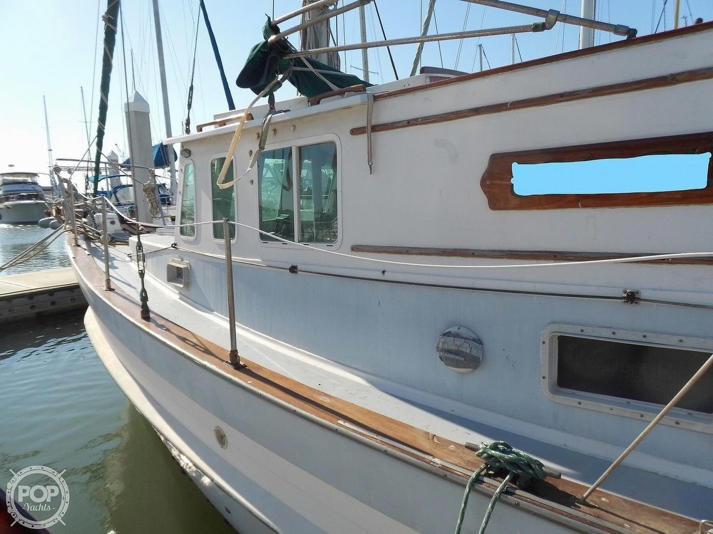1976 Fales boat for sale, model of the boat is Navigator 38T & Image # 31 of 40