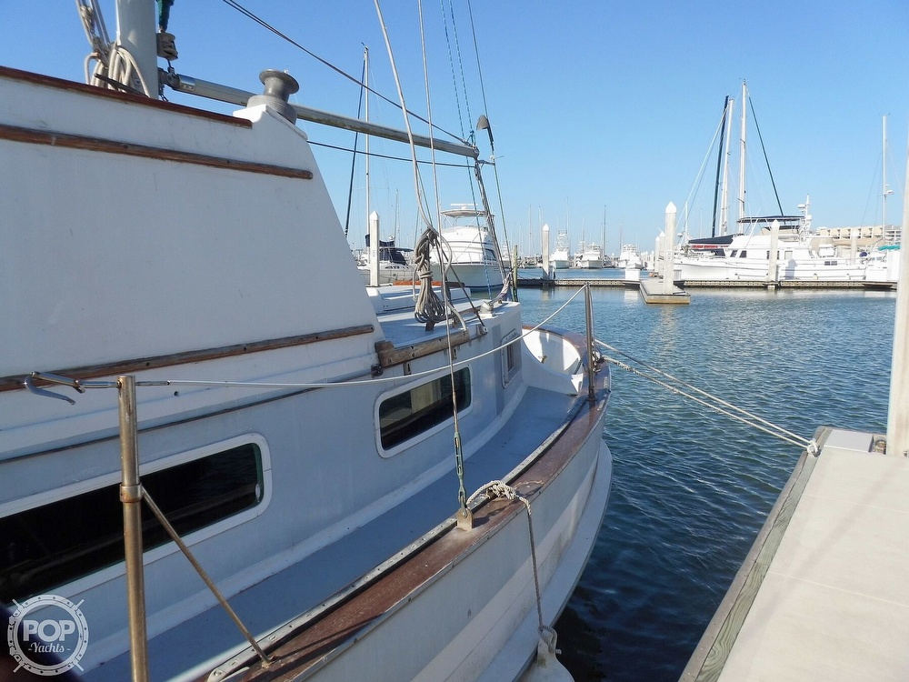 1976 Fales boat for sale, model of the boat is Navigator 38T & Image # 32 of 40