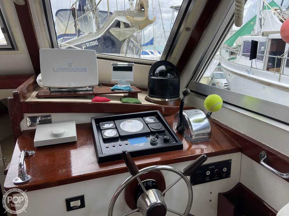 1980 Sisu boat for sale, model of the boat is Heritage 30 & Image # 5 of 40