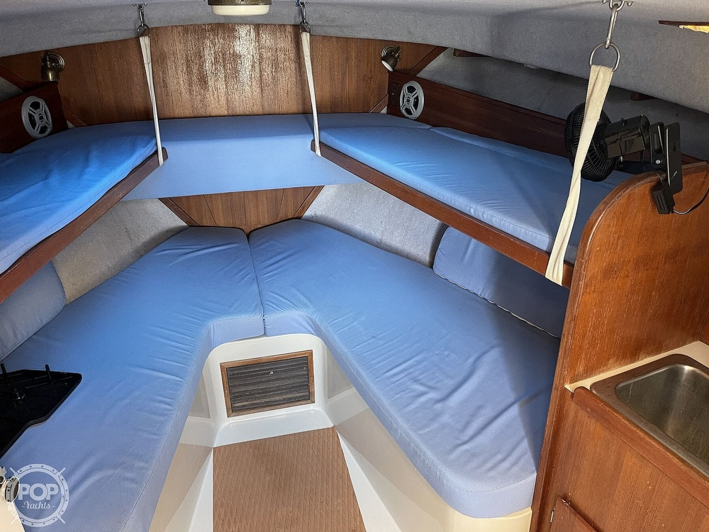 1988 Rampage boat for sale, model of the boat is 31 Sportfish & Image # 6 of 40