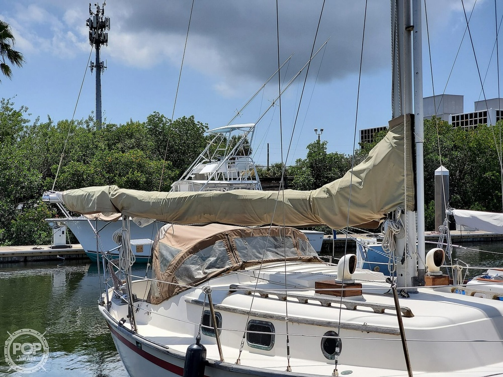 1982 Southern Cross boat for sale, model of the boat is 28 & Image # 19 of 40