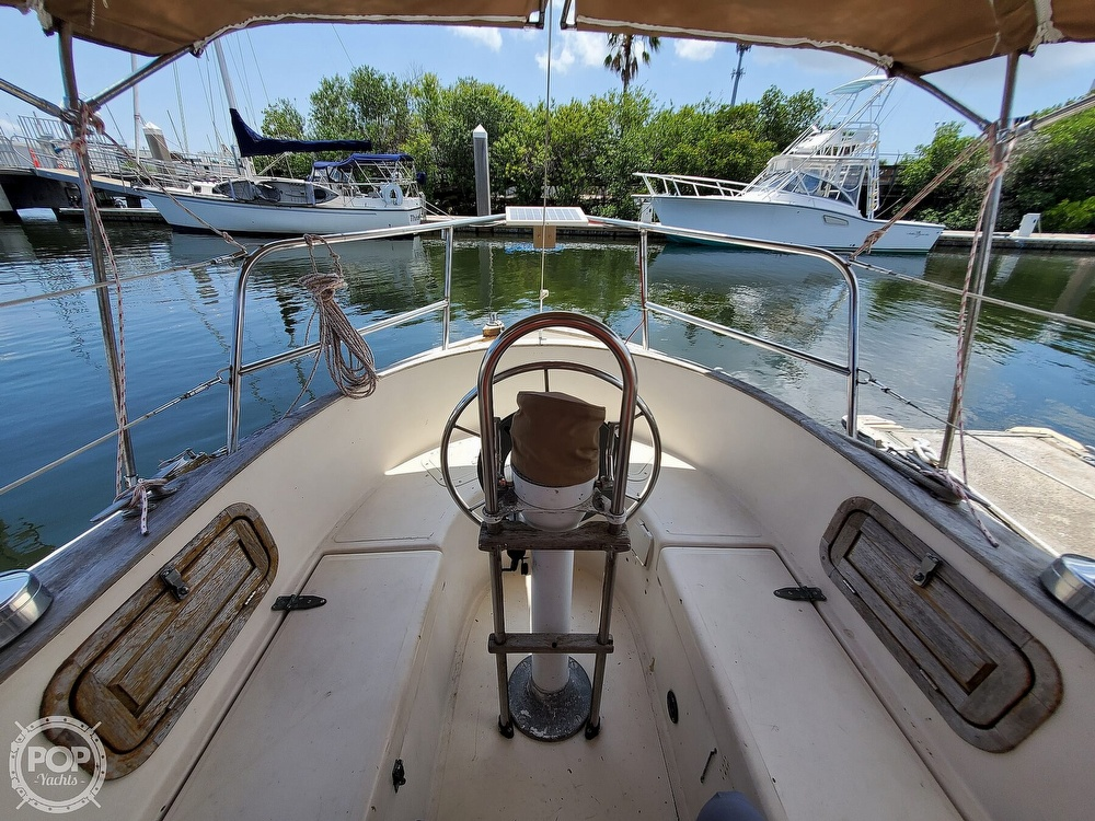 1982 Southern Cross boat for sale, model of the boat is 28 & Image # 5 of 40