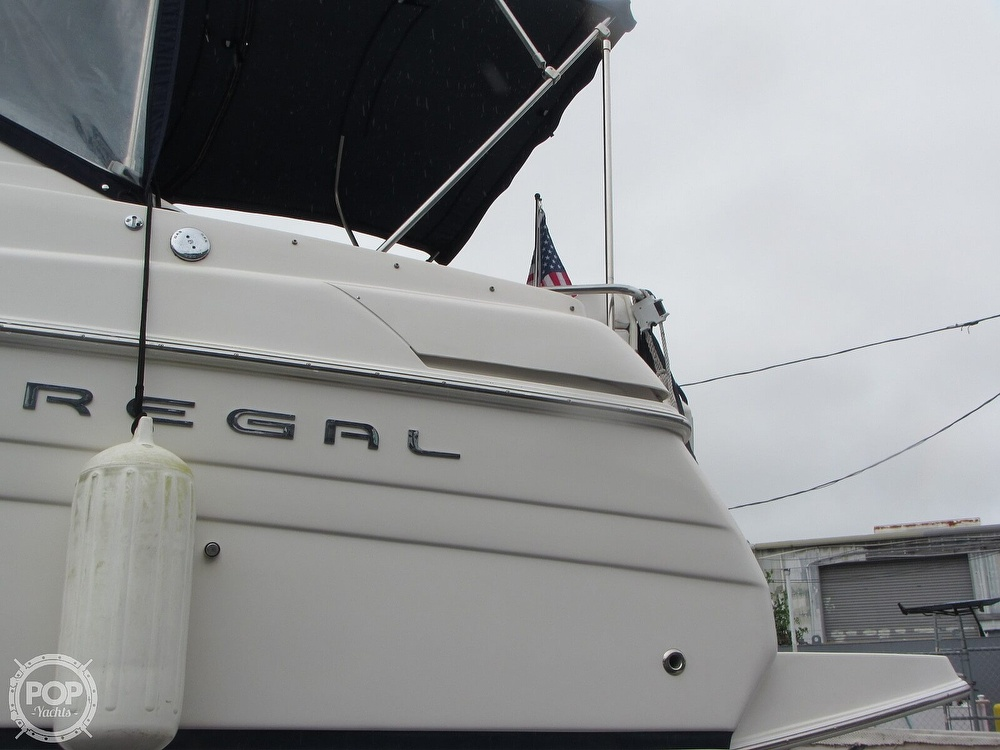 2006 Regal boat for sale, model of the boat is 2765 Commodore & Image # 30 of 40