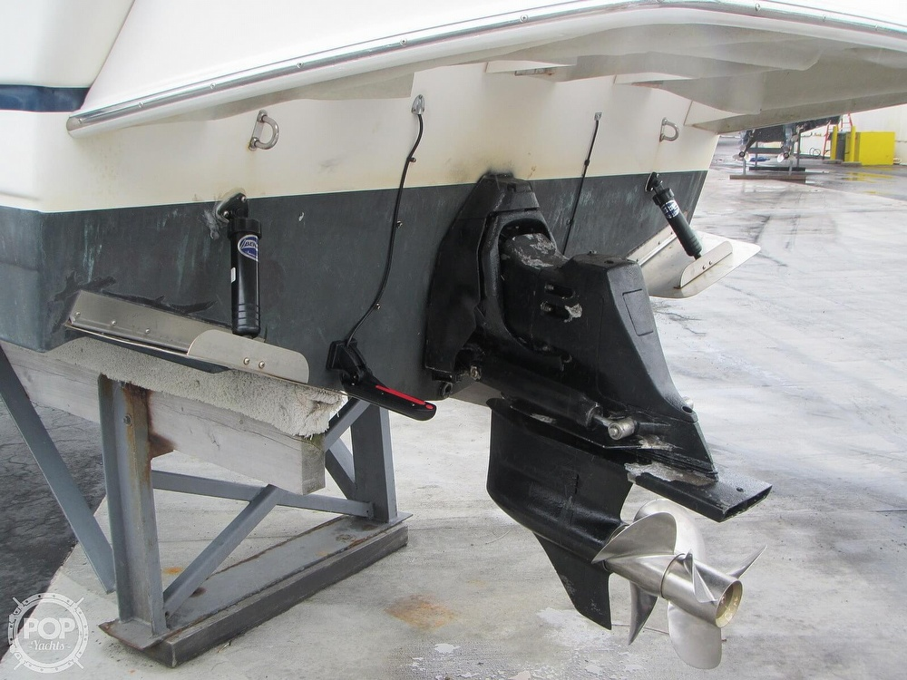 2006 Regal boat for sale, model of the boat is 2765 Commodore & Image # 32 of 40