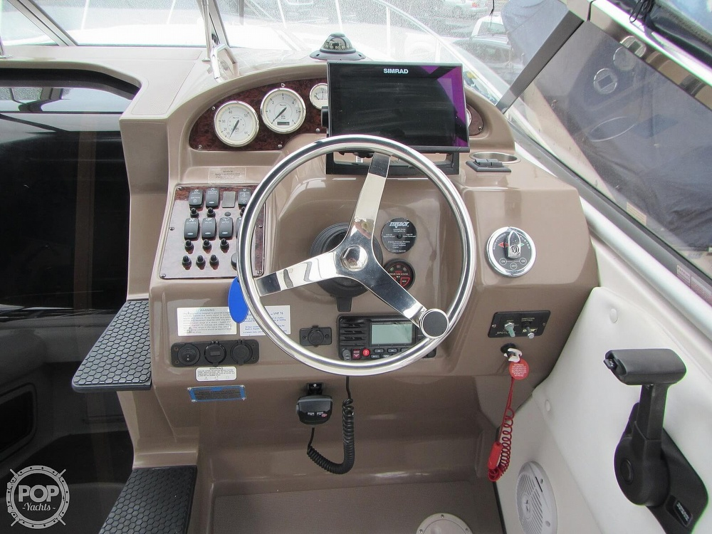 2006 Regal boat for sale, model of the boat is 2765 Commodore & Image # 9 of 40