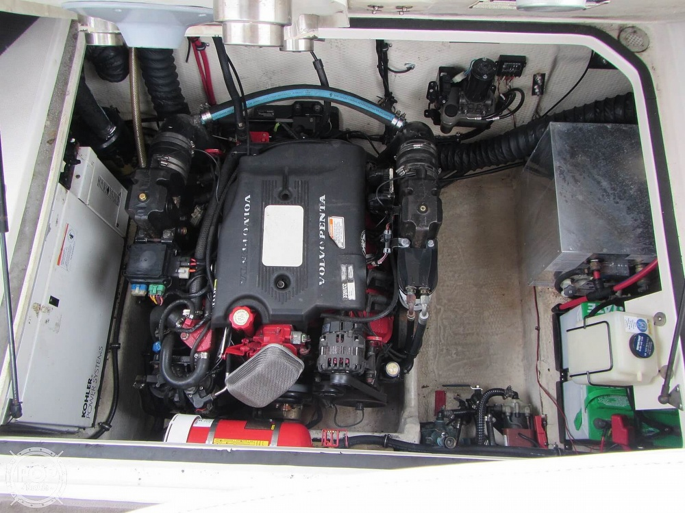 2006 Regal boat for sale, model of the boat is 2765 Commodore & Image # 11 of 40