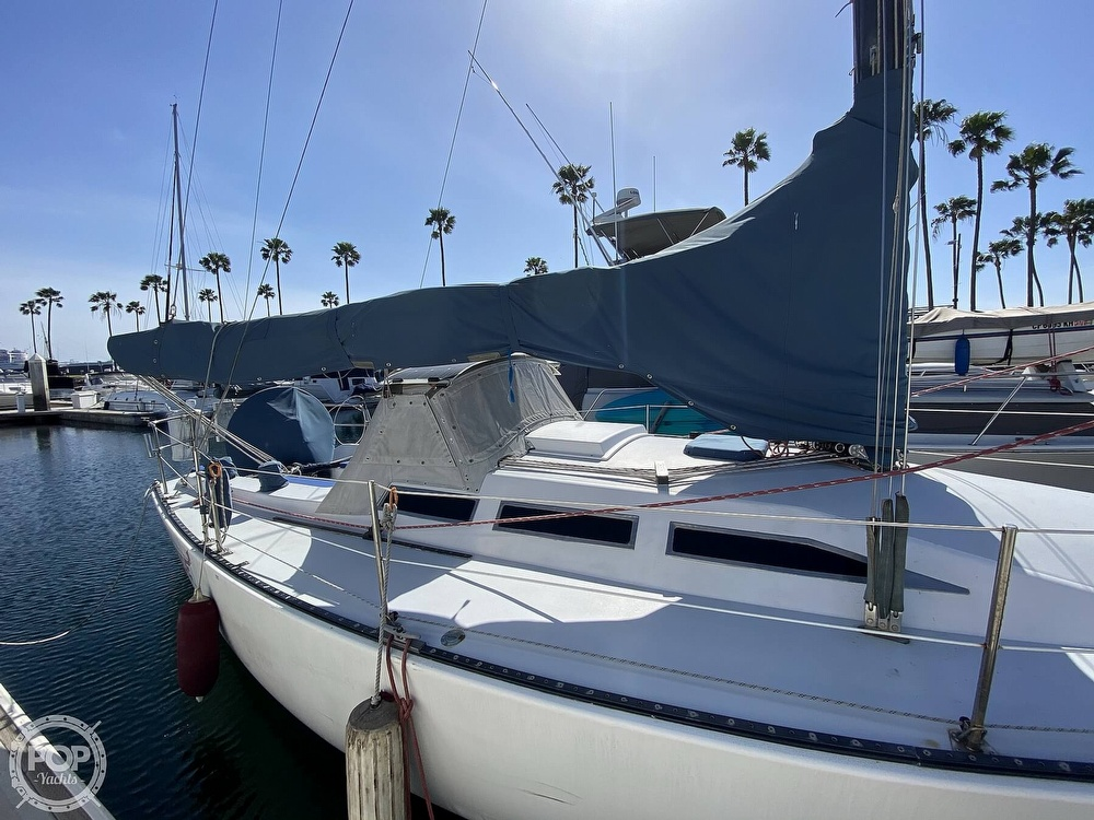 1985 Wilderness Yachts boat for sale, model of the boat is 40 Mull Wilderness & Image # 3 of 40