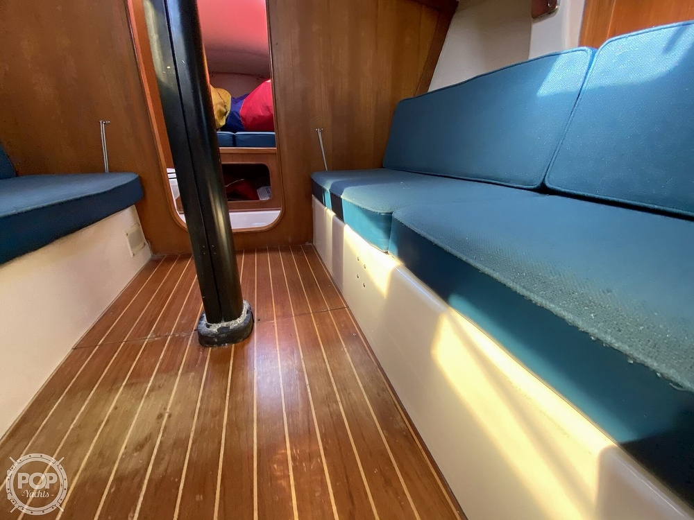 1985 Wilderness Yachts boat for sale, model of the boat is 40 Mull Wilderness & Image # 18 of 40