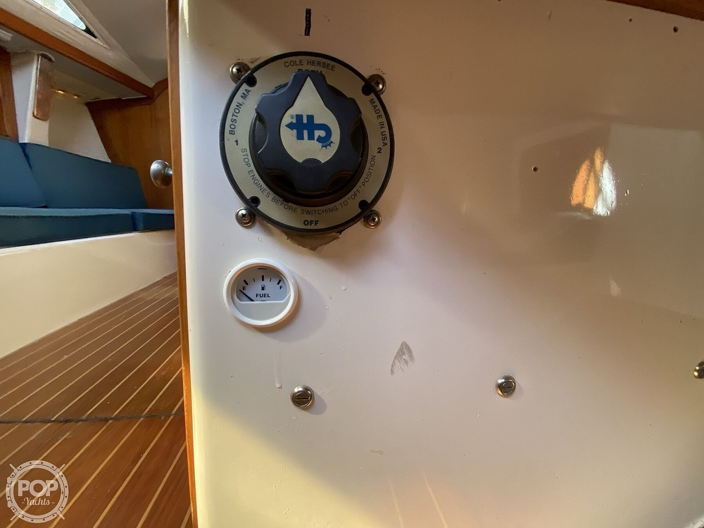 1985 Wilderness Yachts boat for sale, model of the boat is 40 Mull Wilderness & Image # 27 of 40