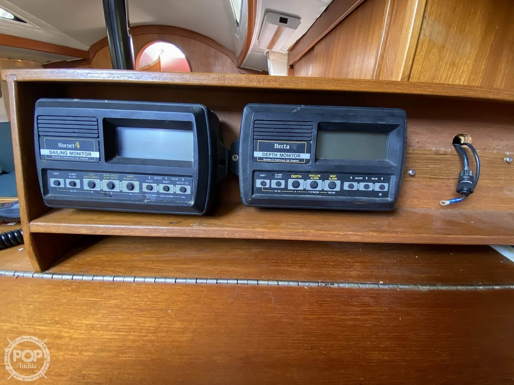 1985 Wilderness Yachts boat for sale, model of the boat is 40 Mull Wilderness & Image # 34 of 40