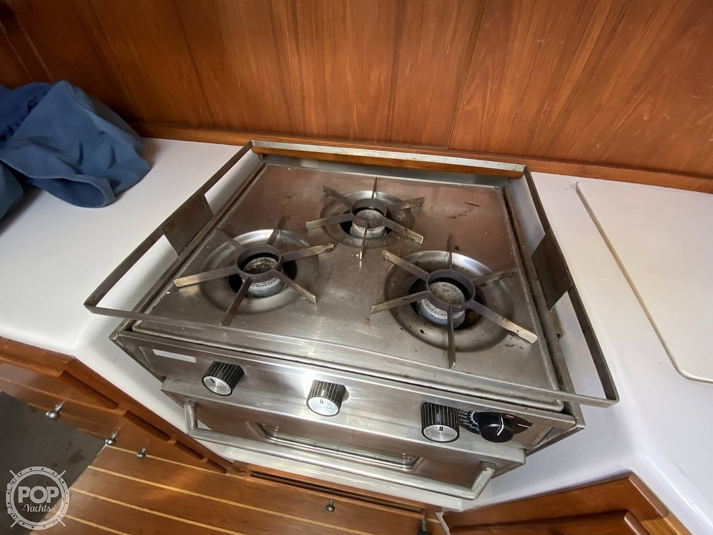 1985 Wilderness Yachts boat for sale, model of the boat is 40 Mull Wilderness & Image # 37 of 40