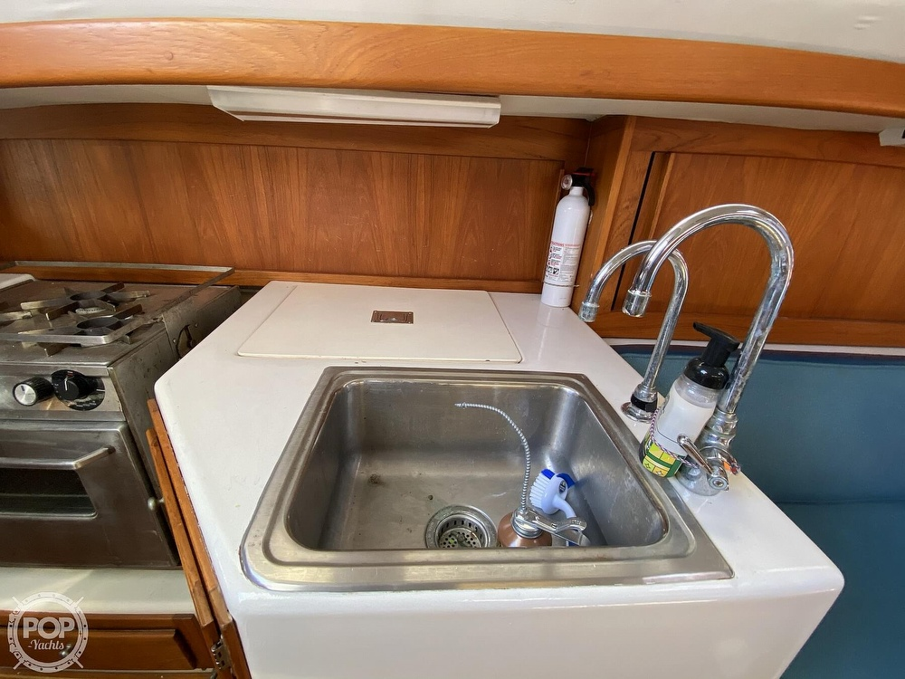 1985 Wilderness Yachts boat for sale, model of the boat is 40 Mull Wilderness & Image # 36 of 40