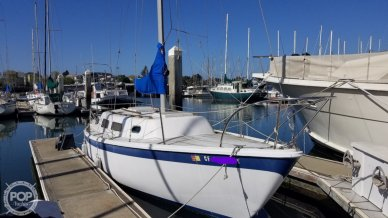 Cal 29 From Starboard Bow
