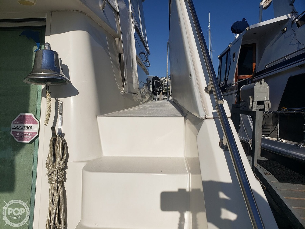 1989 Cruisers Yachts boat for sale, model of the boat is 4280 Express Bridge & Image # 16 of 40