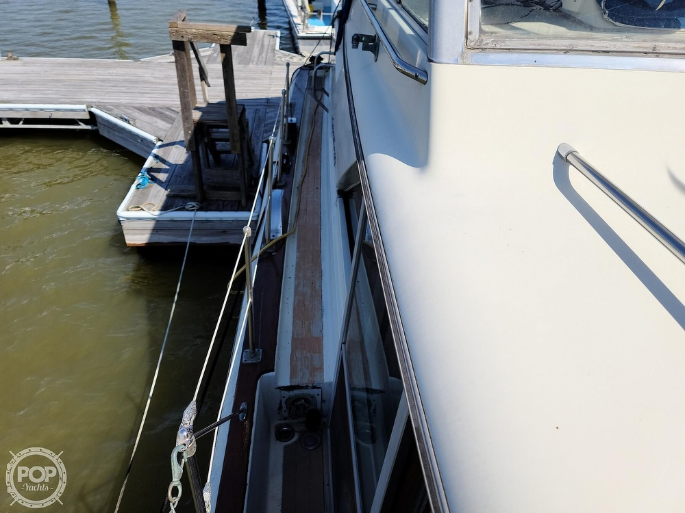 1968 Chris Craft boat for sale, model of the boat is 42 Commander & Image # 30 of 40