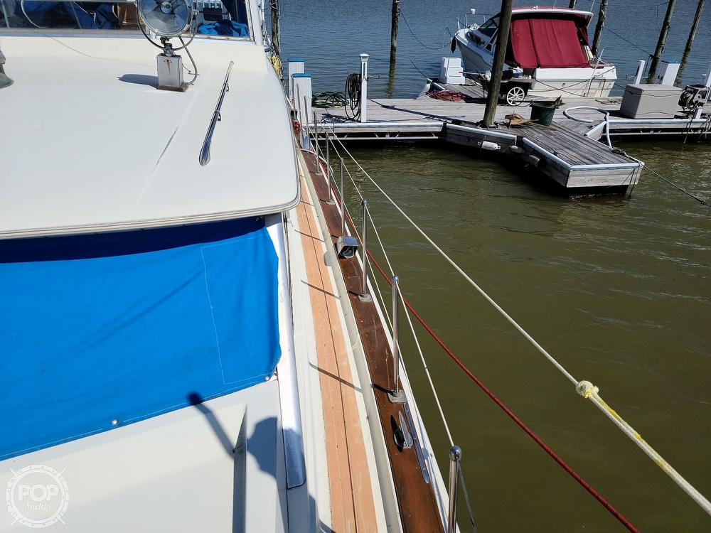 1968 Chris Craft boat for sale, model of the boat is 42 Commander & Image # 33 of 40