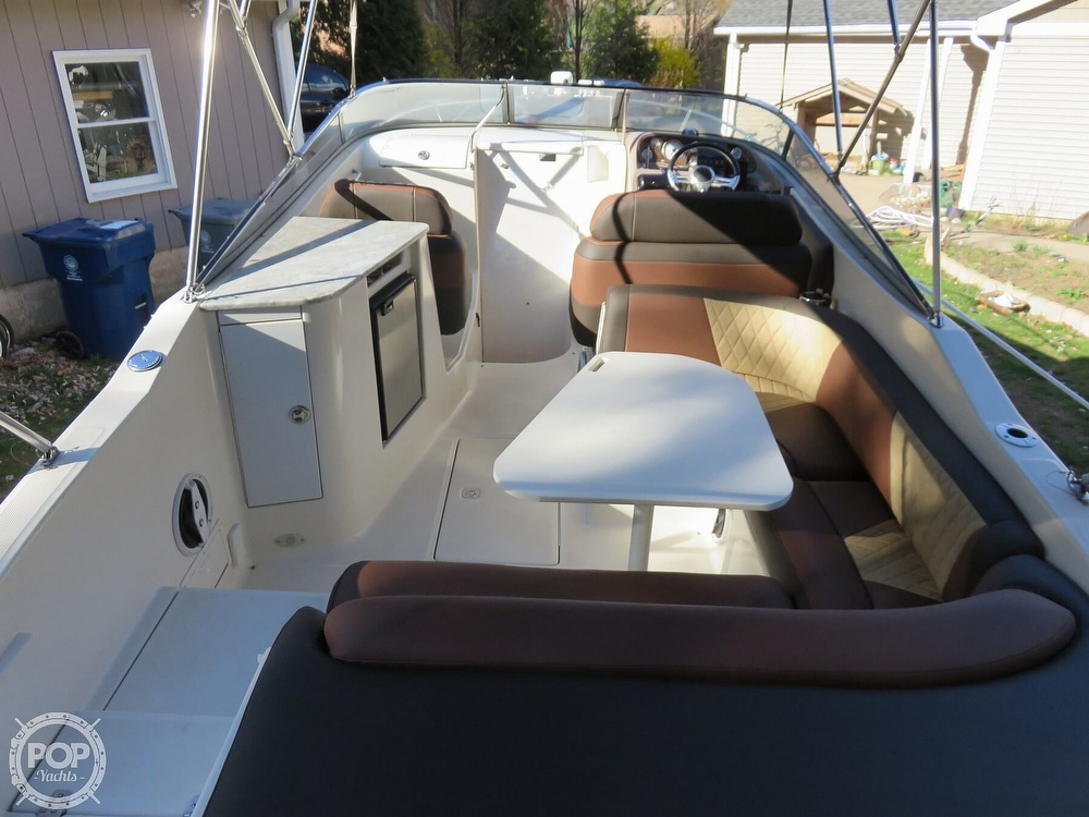 2002 Regal boat for sale, model of the boat is 2650 LSC & Image # 13 of 40