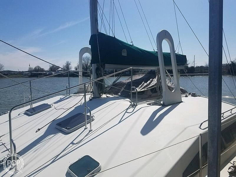 1988 Banshee boat for sale, model of the boat is 35 & Image # 11 of 32
