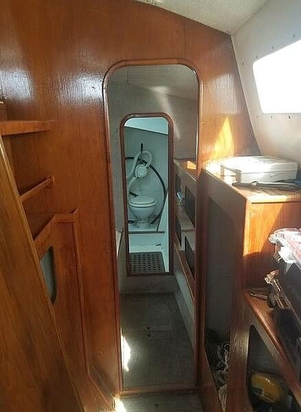 1988 Banshee boat for sale, model of the boat is 35 & Image # 14 of 32