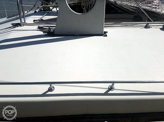1988 Banshee boat for sale, model of the boat is 35 & Image # 18 of 32