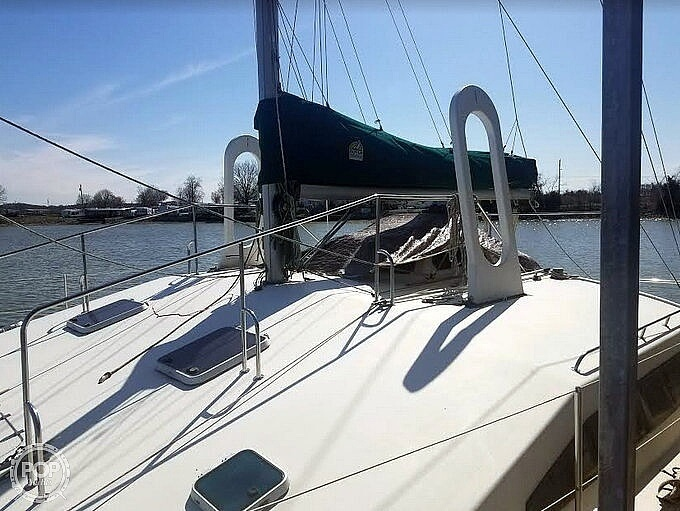 1988 Banshee boat for sale, model of the boat is 35 & Image # 23 of 32