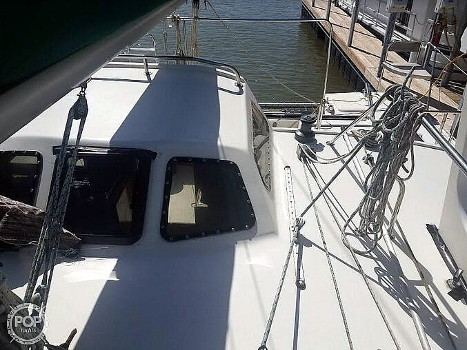 1988 Banshee boat for sale, model of the boat is 35 & Image # 26 of 32