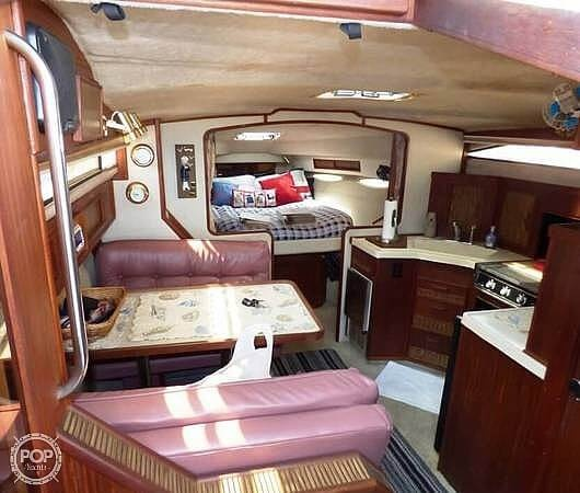 1986 Sea Ray boat for sale, model of the boat is 340 Sundancer & Image # 25 of 40