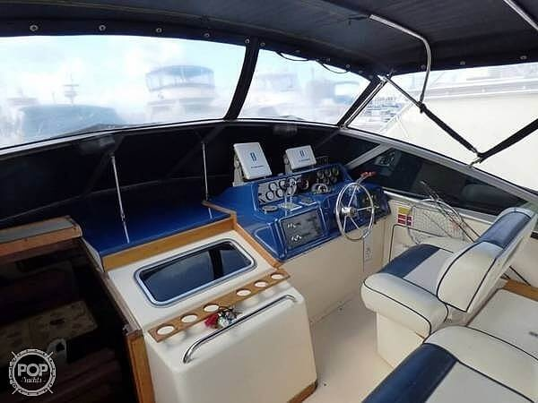 1986 Sea Ray boat for sale, model of the boat is 340 Sundancer & Image # 28 of 40