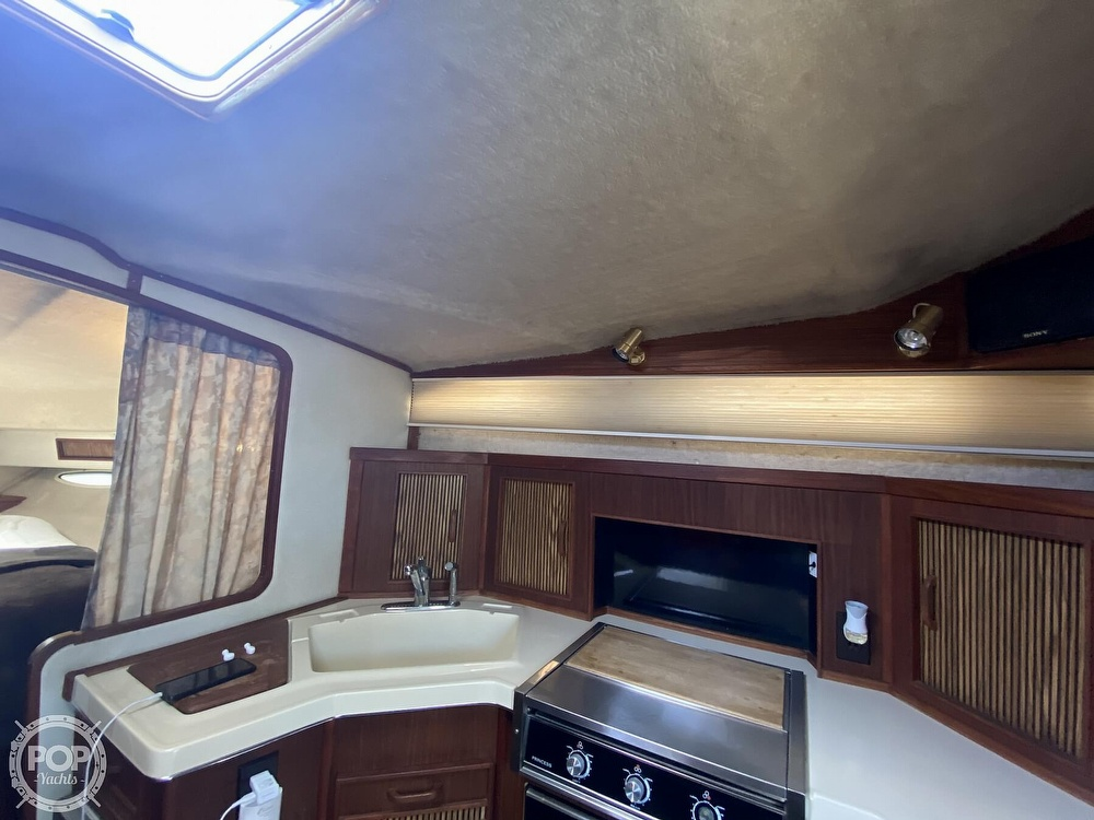 1986 Sea Ray boat for sale, model of the boat is 340 Sundancer & Image # 13 of 40