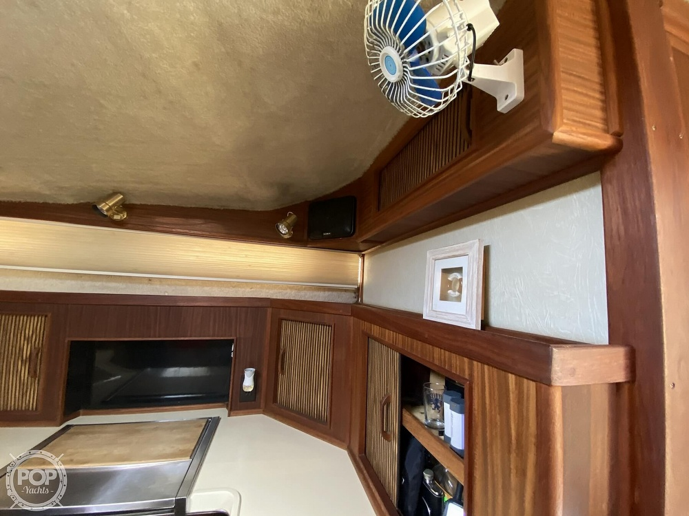 1986 Sea Ray boat for sale, model of the boat is 340 Sundancer & Image # 38 of 40
