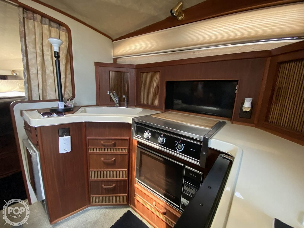 1986 Sea Ray boat for sale, model of the boat is 340 Sundancer & Image # 27 of 40
