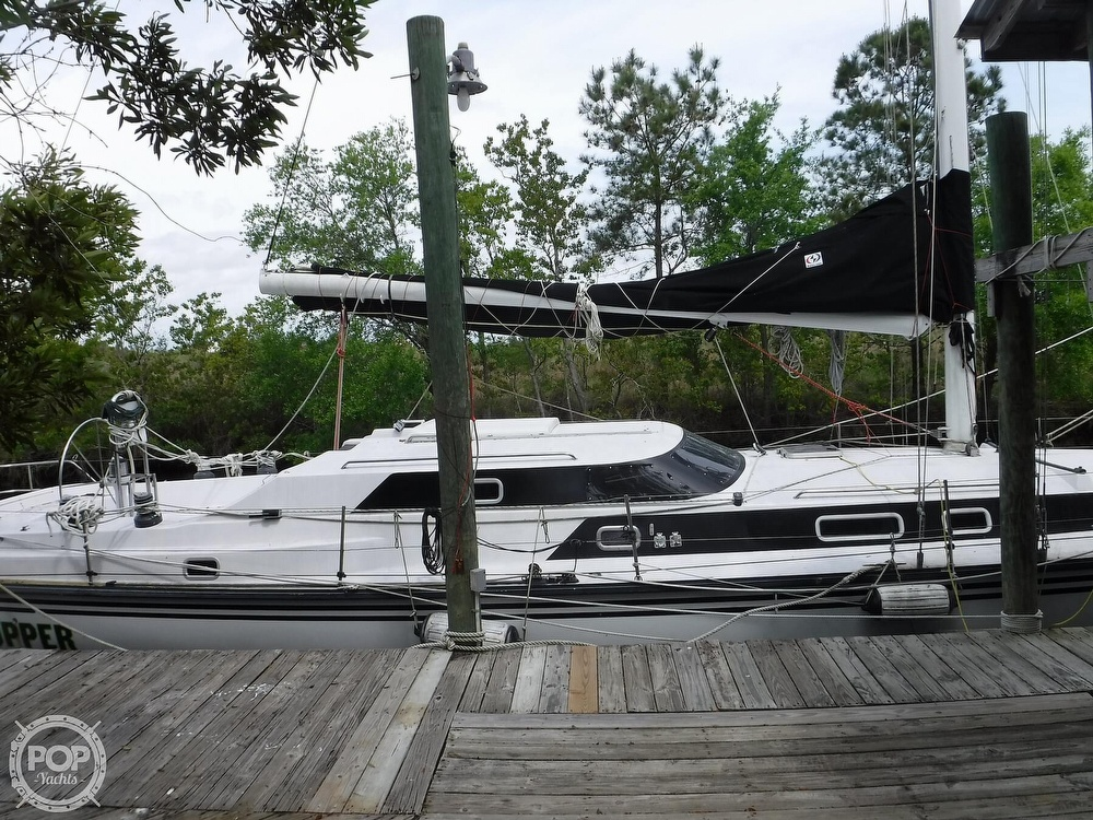 1990 Macgregor boat for sale, model of the boat is 65 Pilothouse & Image # 2 of 40