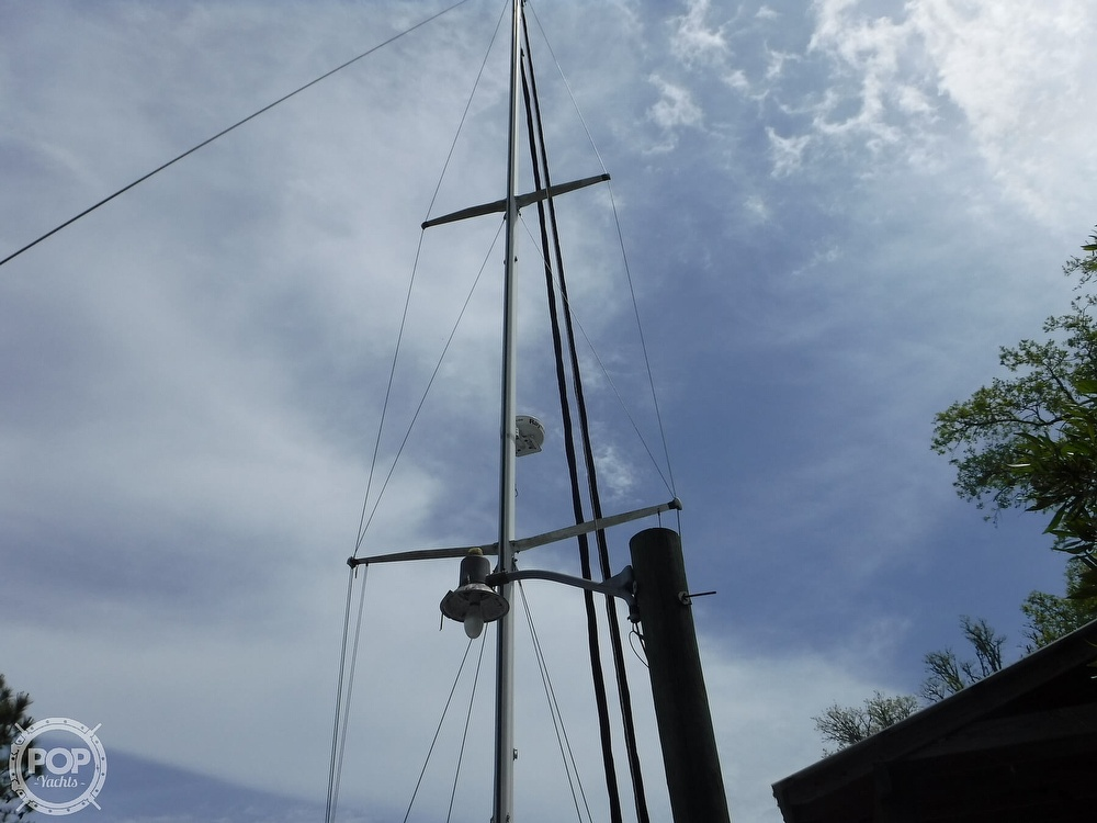 1990 Macgregor boat for sale, model of the boat is 65 Pilothouse & Image # 3 of 40