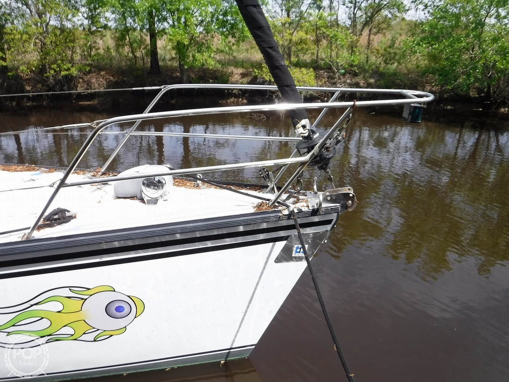 1990 Macgregor boat for sale, model of the boat is 65 Pilothouse & Image # 9 of 40