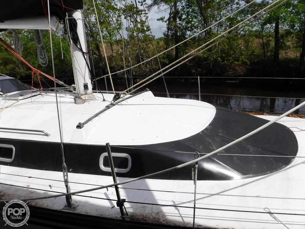 1990 Macgregor boat for sale, model of the boat is 65 Pilothouse & Image # 18 of 40