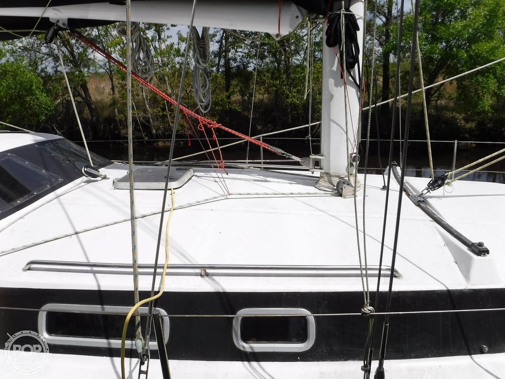 1990 Macgregor boat for sale, model of the boat is 65 Pilothouse & Image # 26 of 40