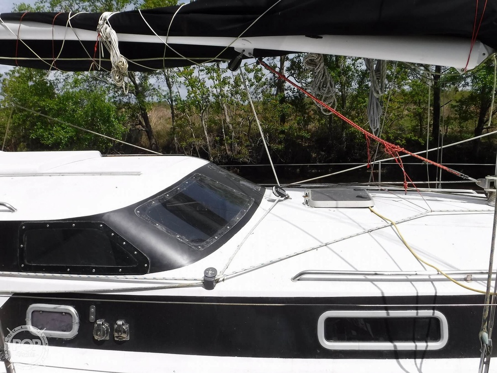 1990 Macgregor boat for sale, model of the boat is 65 Pilothouse & Image # 33 of 40