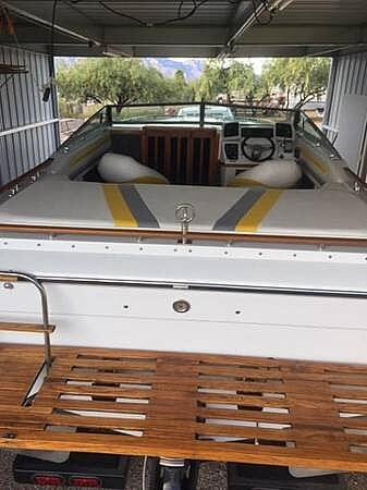 1987 Four Winns boat for sale, model of the boat is Liberator 241 & Image # 8 of 40