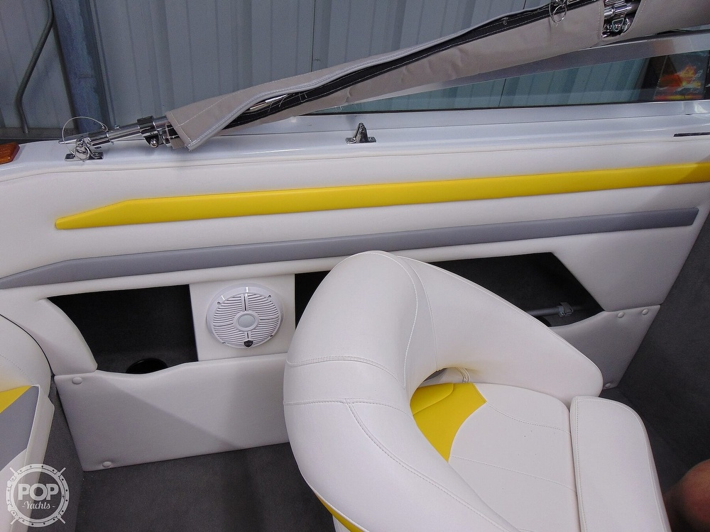 1987 Four Winns boat for sale, model of the boat is Liberator 241 & Image # 19 of 40