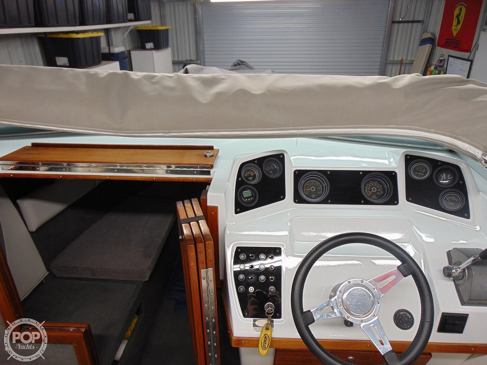 1987 Four Winns boat for sale, model of the boat is Liberator 241 & Image # 15 of 40