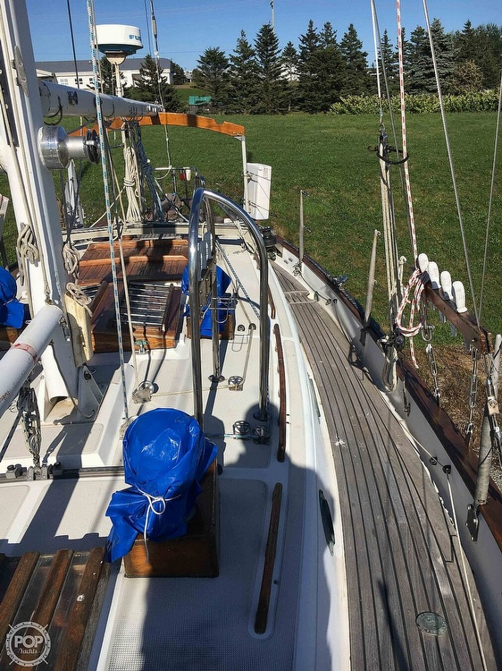 1977 Westsail boat for sale, model of the boat is 32 & Image # 7 of 32