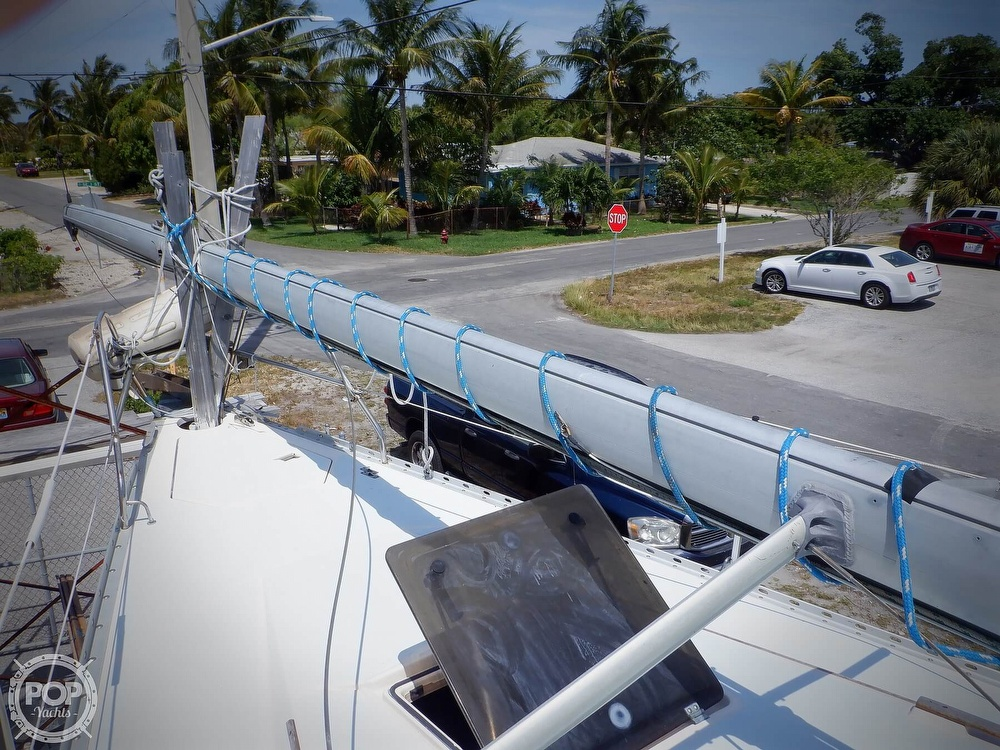 1990 Hunter boat for sale, model of the boat is 35.5 Legend & Image # 4 of 40