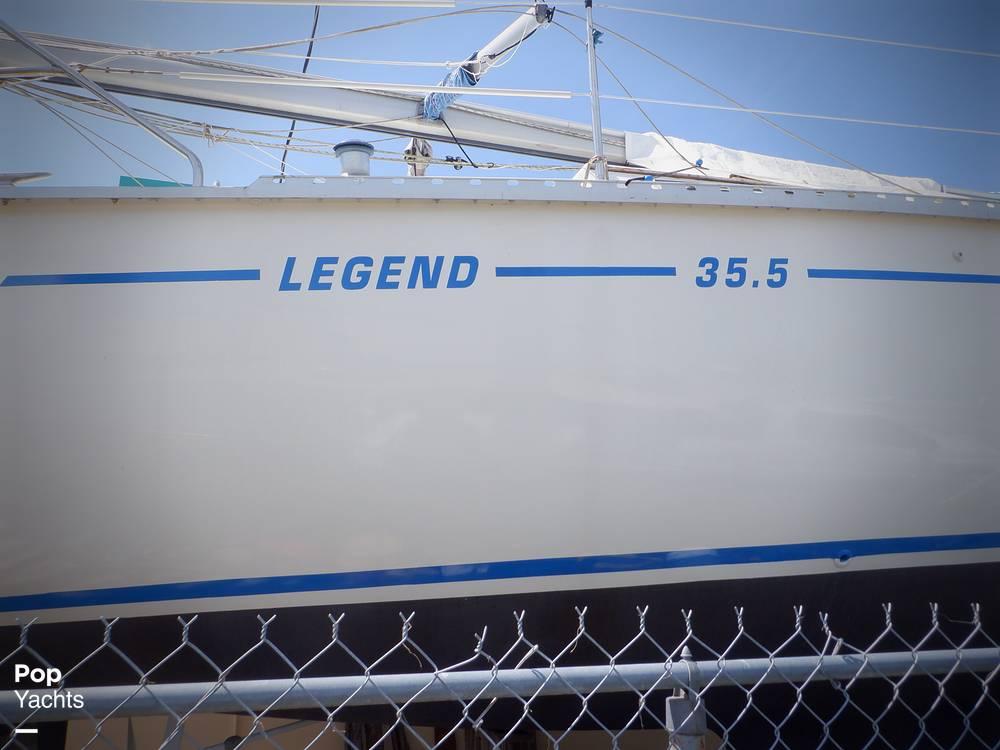 1990 Hunter boat for sale, model of the boat is 35.5 Legend & Image # 19 of 40
