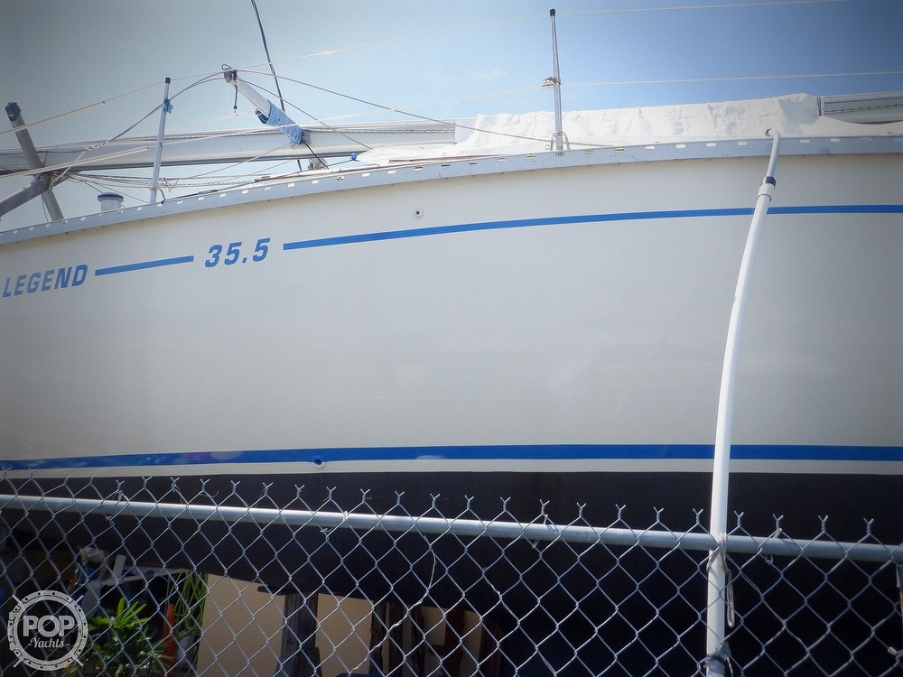 1990 Hunter boat for sale, model of the boat is 35.5 Legend & Image # 20 of 40