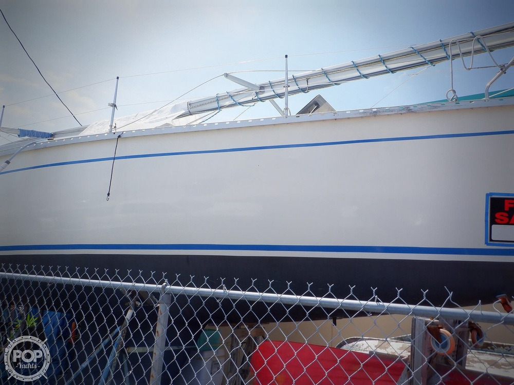 1990 Hunter boat for sale, model of the boat is 35.5 Legend & Image # 21 of 40