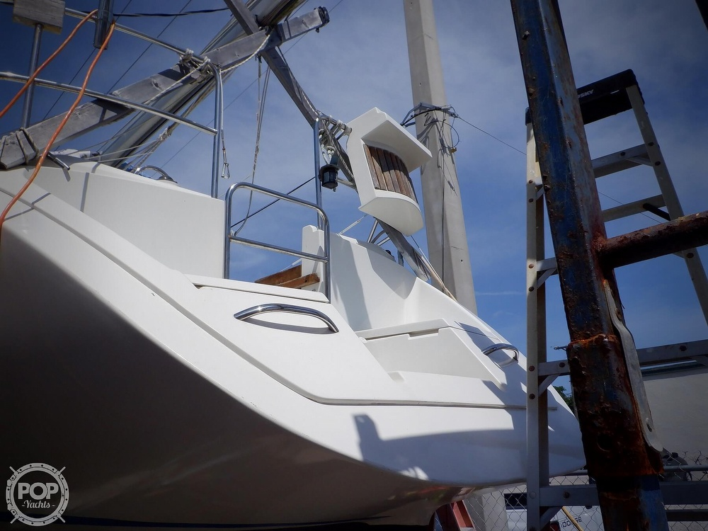 1990 Hunter boat for sale, model of the boat is 35.5 Legend & Image # 25 of 40