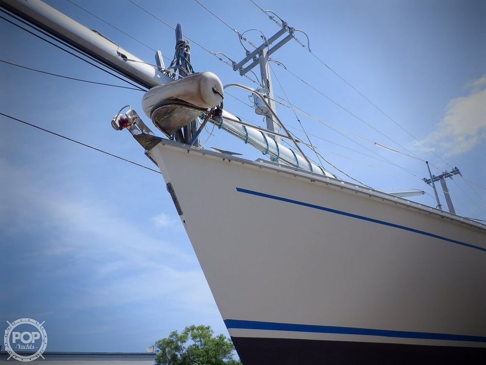 1990 Hunter boat for sale, model of the boat is 35.5 Legend & Image # 31 of 40