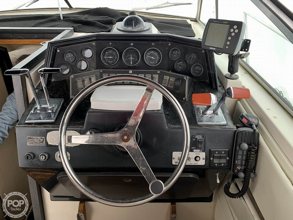 1985 Wellcraft boat for sale, model of the boat is St Tropez 3200 & Image # 5 of 40