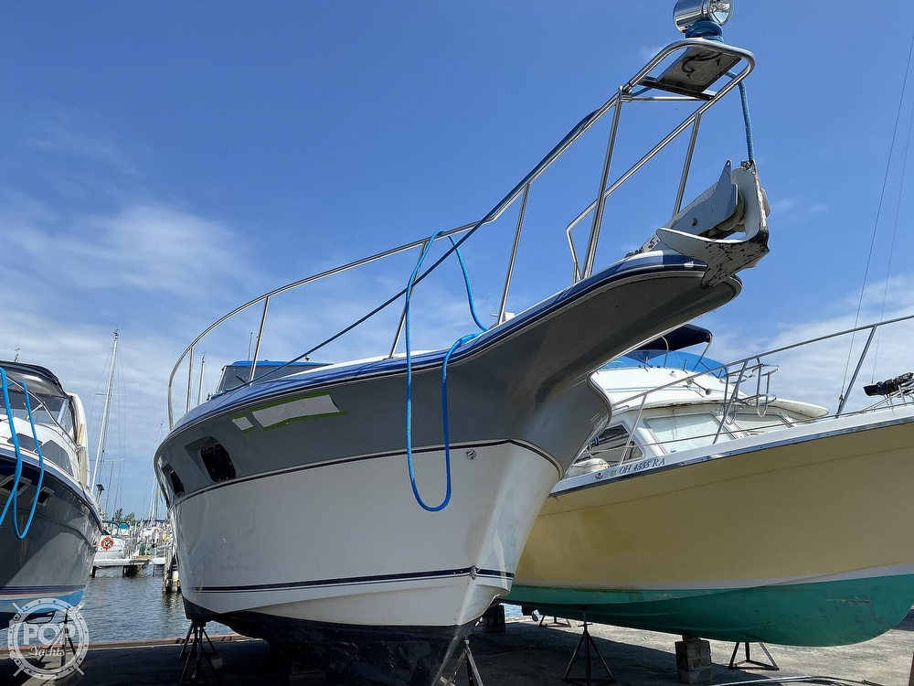 1986 Cruisers Yachts boat for sale, model of the boat is 337 Esprit & Image # 21 of 40